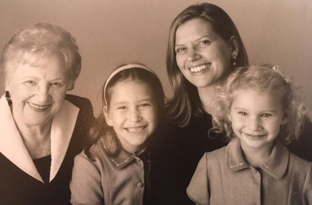 Mitzi Wilner z'l, Susan Golden with her daughter's Amanda and Jenny