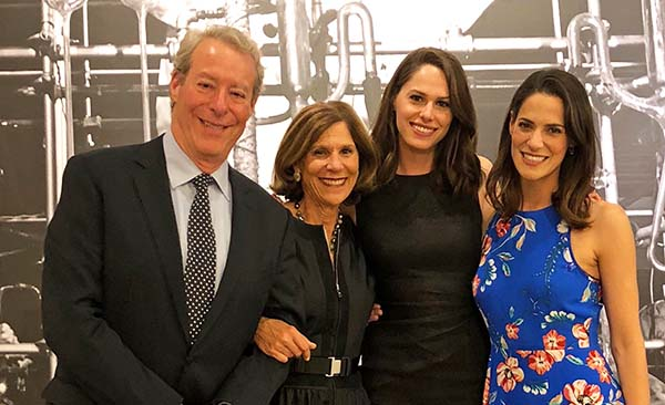 Bob Tandler and Valli Benesch with their daughters, Jaclyn and Michelle.